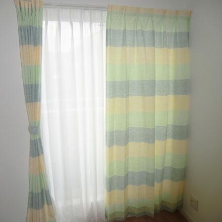 2階洋間へカジュアルなオーダーカーテン