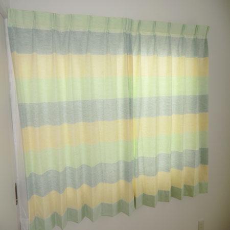 グリーンとイエローのオーダーカーテン