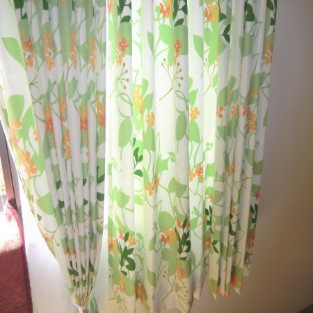グリーンの花柄カーテン納品