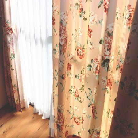 花柄ドレープカーテン