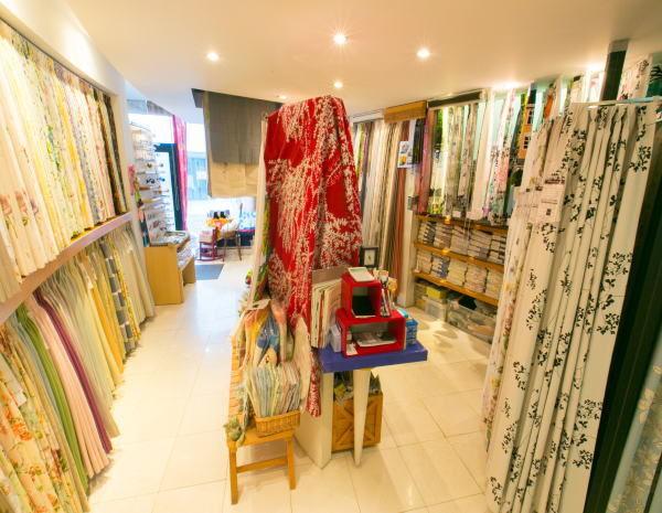 長岡京市のカーテン専門店ジョイリビングイトオ