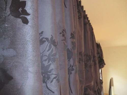 モダンデザインのオーダーカーテン