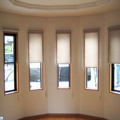 5連窓のロールスクリーン
