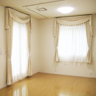 ピアノレッスンルームへのカーテン納品