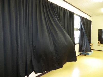 ブラック遮光カーテン