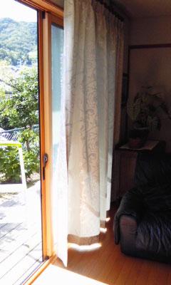 花柄地模様のドレープカーテン