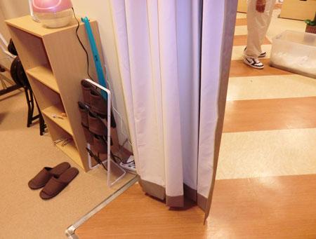 京都市内の整骨院に防音間仕切りカーテン納品