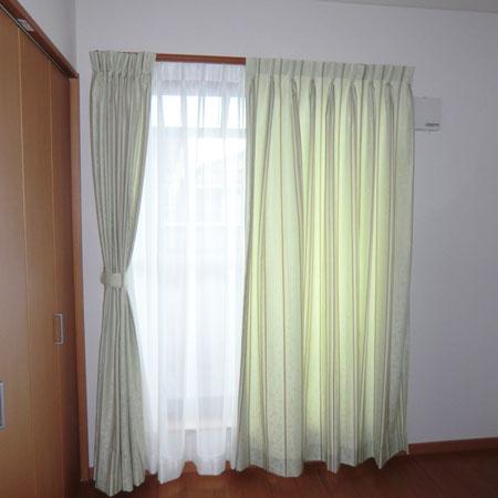 お部屋が広く見えるカーテン