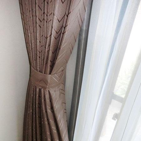 丁寧に縫製されたカーテン