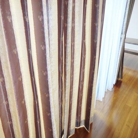 掃き出し窓にカーテン納品