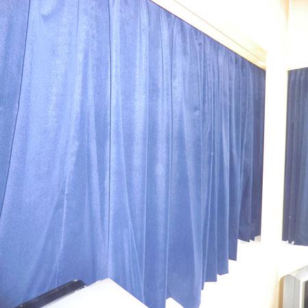 重厚はベルべットカーテン