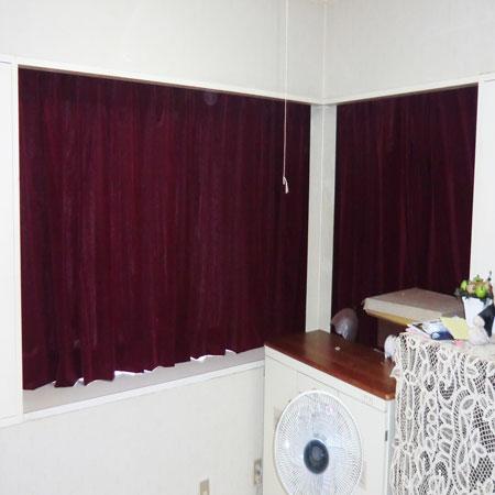 洋室に2重吊りカーテン