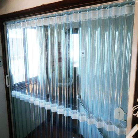 スケルトンタイプのアコーディオンカーテン