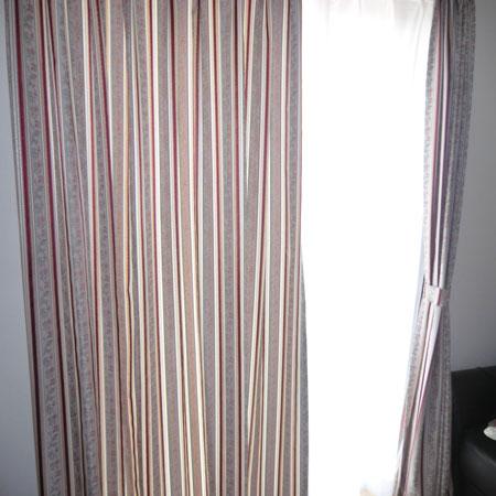 縦ラインカーテン