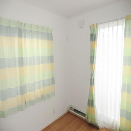 横デザインカーテン