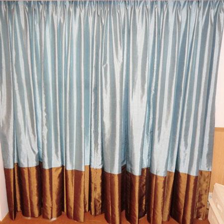 ボーダーコーディネートのカーテン