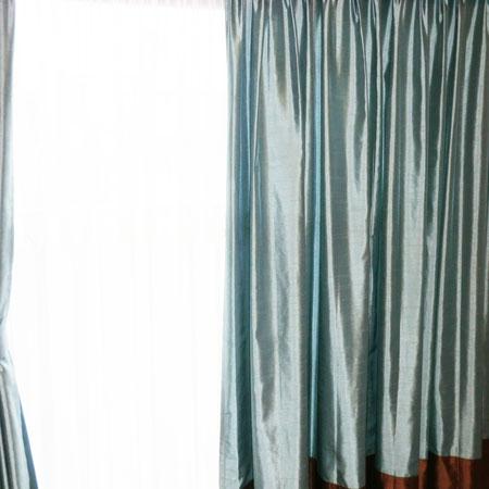 二重吊りカーテン