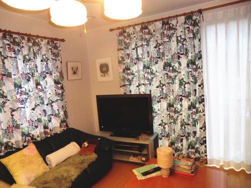 掃き出し窓と中間窓にカーテン取り付け、納品