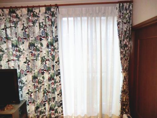 レースカーテンと厚手カーテンの2重付け