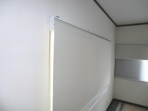 京都長岡京市、新築戸建て住宅にロールスクリーン納品