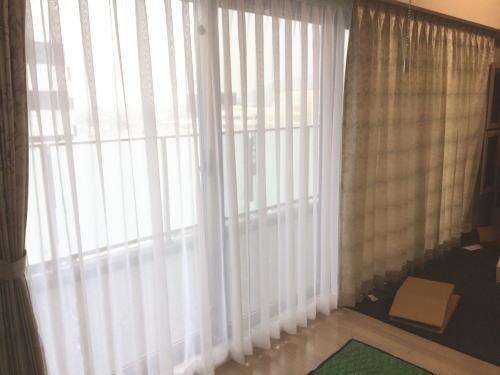 レースカーテンと厚手カーテン納品