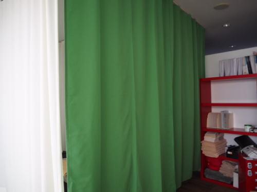 整骨院にカーテン納品