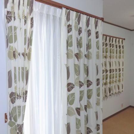 フラワーデザインのカーテン