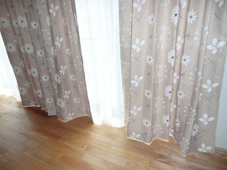 新築住宅へカーテン納品