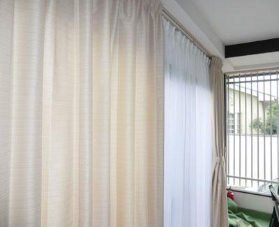 大型窓にオーダーカーテン納品