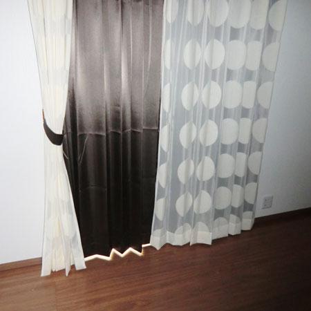 2階寝室にカーテン納品