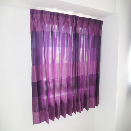 紫色のオーダーカーテン