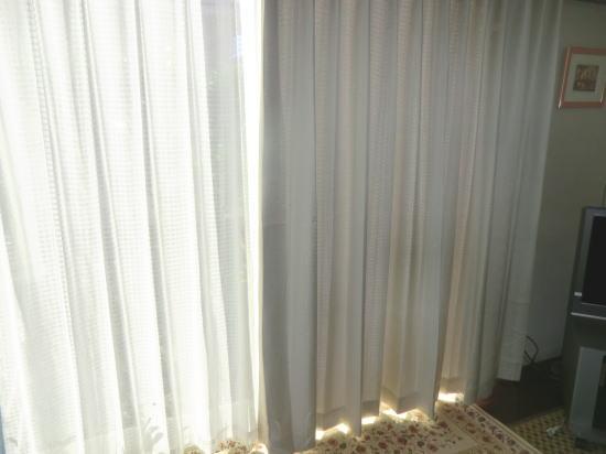 UV機能付きレースカーテン