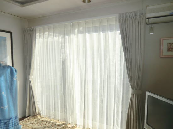 京都の長岡京市、ハウスメーカーさん住宅へオーダーカーテン納品