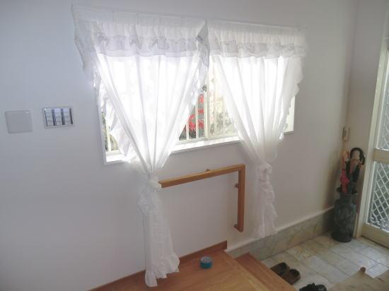 廊下部分にスタイルカーテン