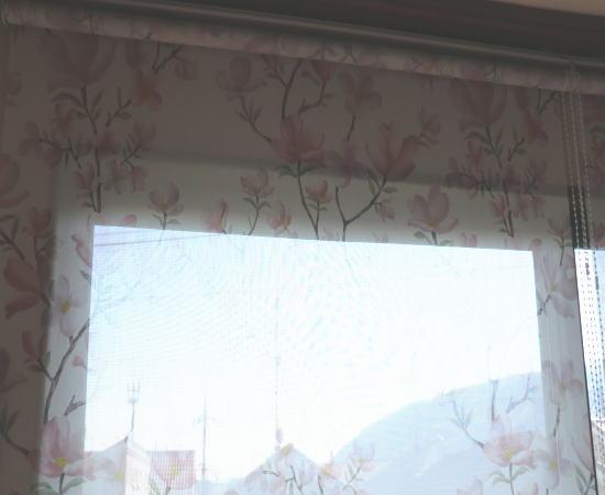 2連窓にロールスクリーン納品