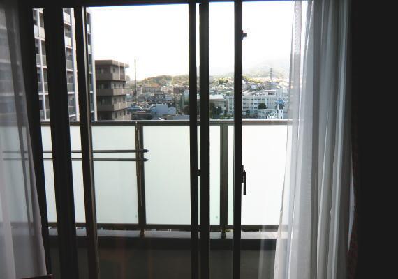 滋賀県のマンション、リビングにオーダーカーテン納品