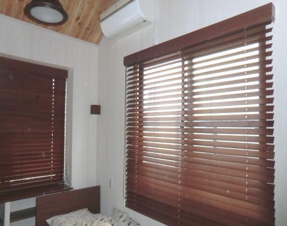 洋室に木製ブラインド納品