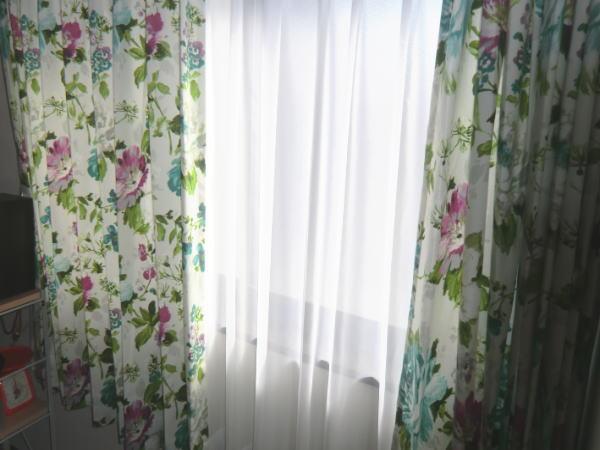 中間窓にもオーダーカーテン