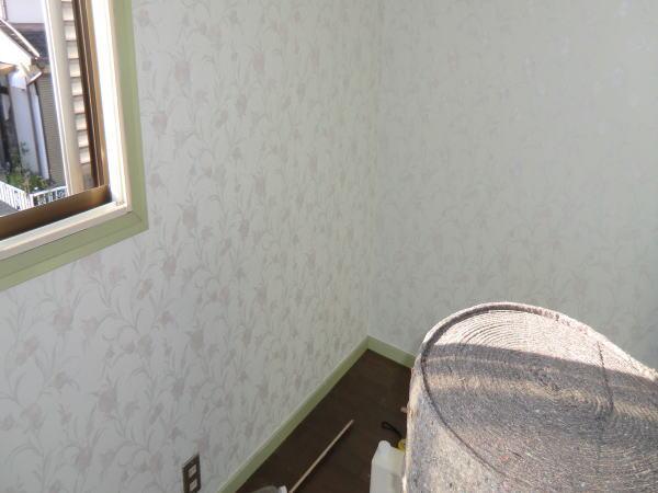 壁紙の張替作業(京都市西京区住宅)