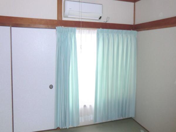 掃き出し窓にオーダーカーテン