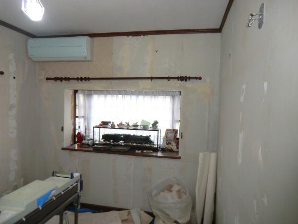 洋室の壁紙施工前の写真