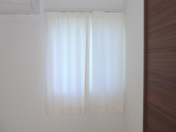 中間窓へもオーダーカーテン納品