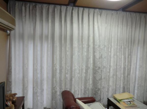 戸建住宅へオーダーカーテン