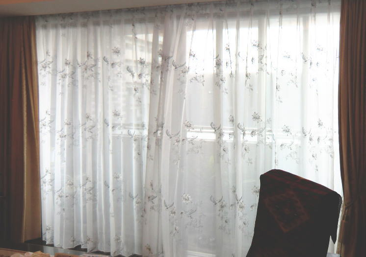 2間窓へオーダーカーテン仕上げ加工