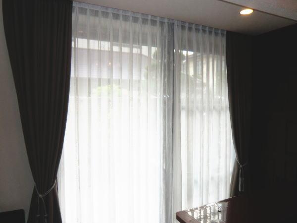 カーテンボックス内天井付けオーダーカーテン