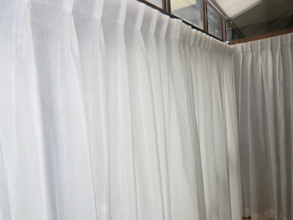 プライバシーカーテン