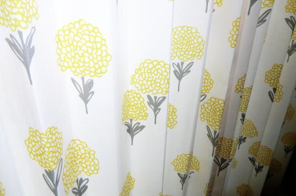 可愛い花柄のオーダーカーテン
