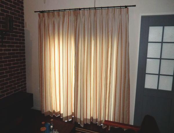 両開きのオーダーカーテン