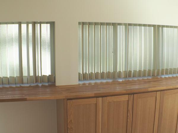 2連窓へバーチカルブラインド納品