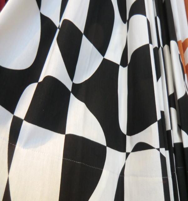 ピクス・BKブラック(アルビッドソンテキスタイル)オーダーカーテン